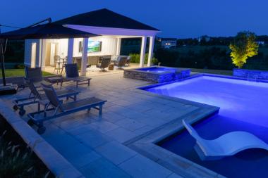 Pool-Evening-690A02193b