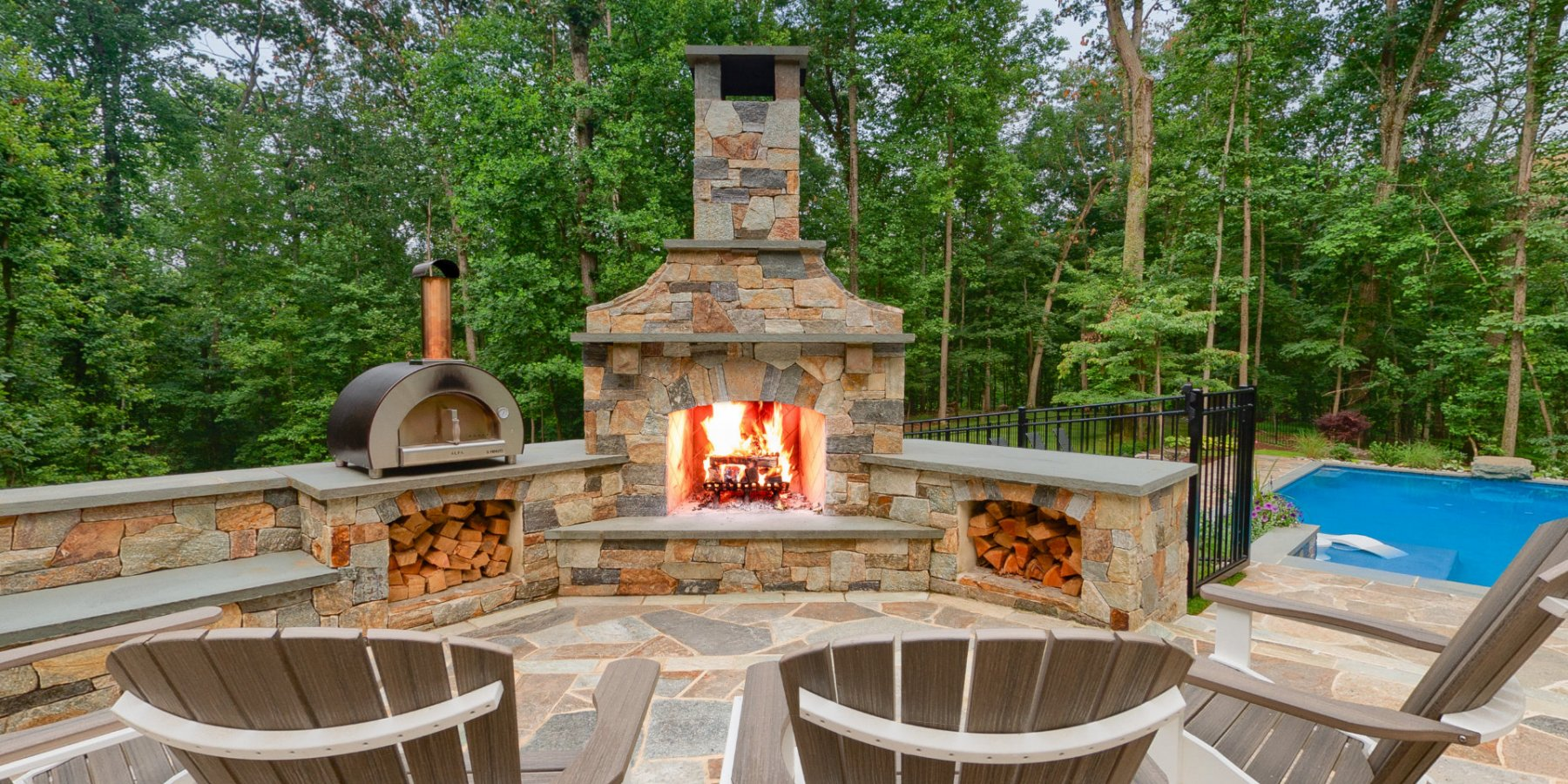 Fireplace-Day-Behind-Chairs-a-690A0048b