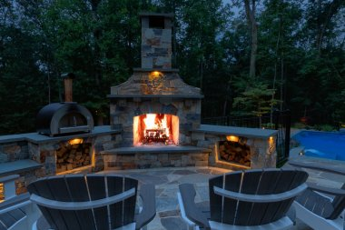 Fireplace-Dusk-Behind-Chairs-690A0216b